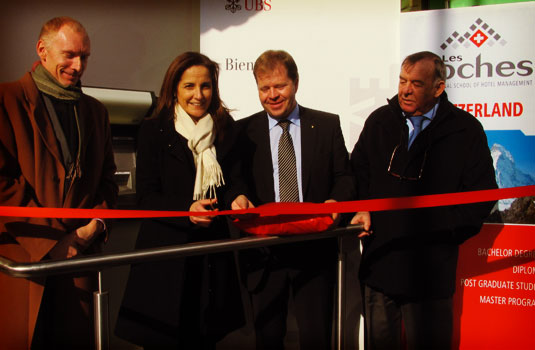 Les Roches welcomes ATM machine of UBS on campus